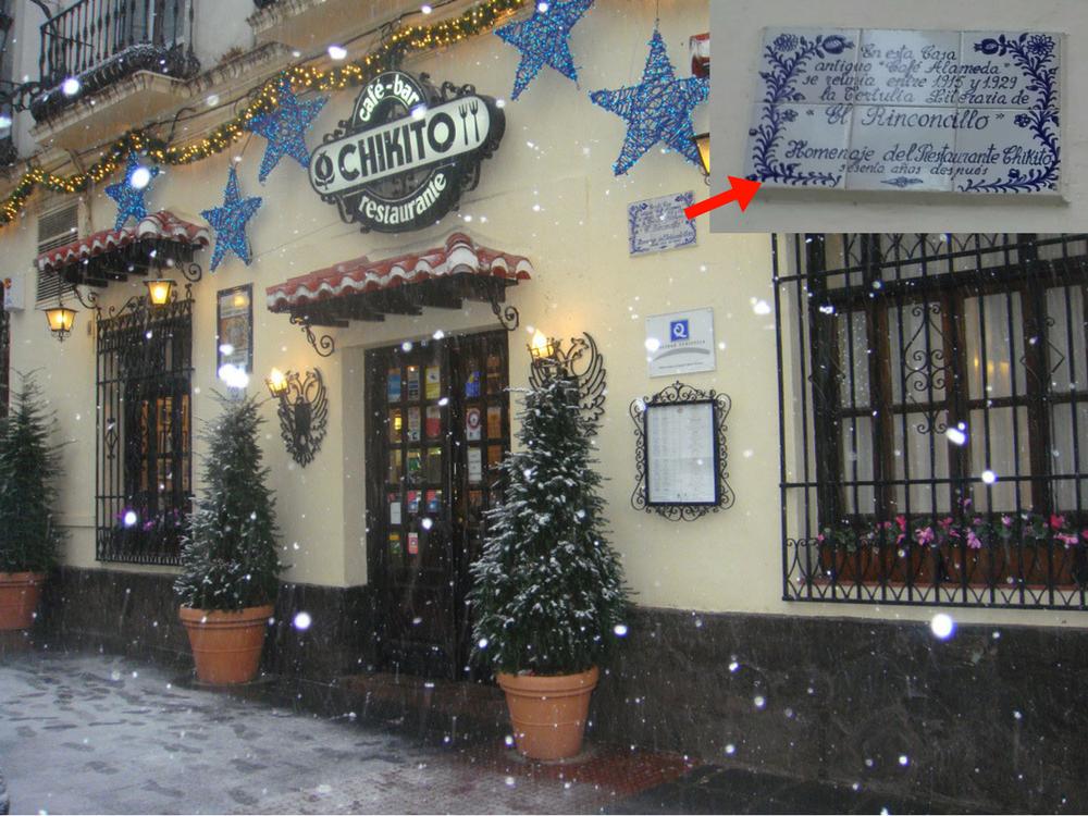 Restaurante Chikito y placa conmemorativa de la Tertulia de El Rinconcillo