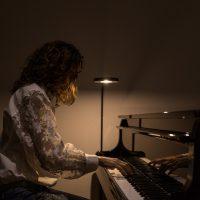 04 LA MUJER DEL PIANO. Amalia Rosas Marín